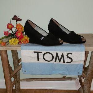 TOMS Black Cord Wrap Wedges,  size 8 1/2